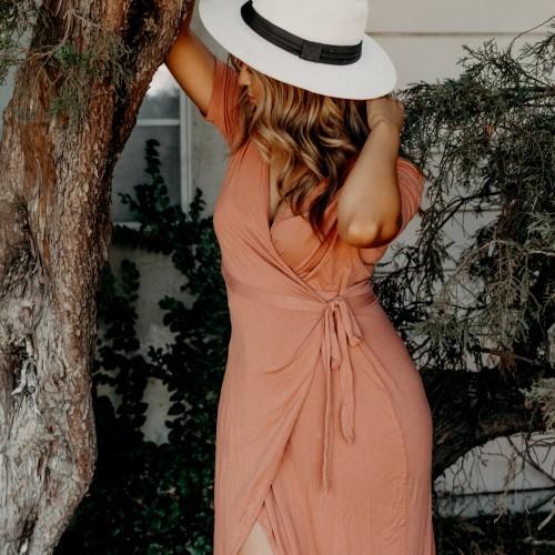 Gotowa na lato? Letnie kombinezony i sukienki mini