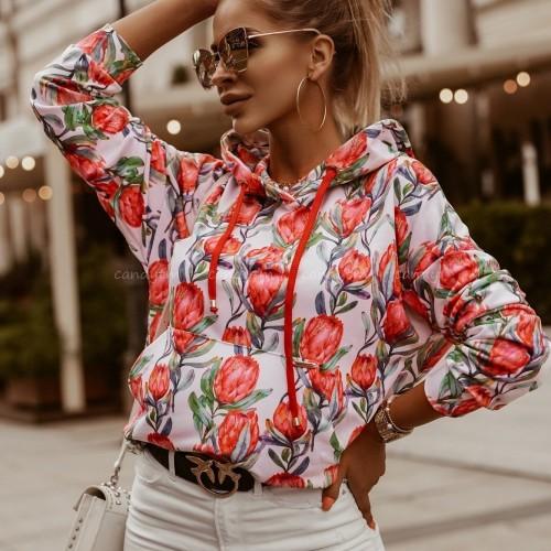 Modne bluzy do luźnych stylizacji