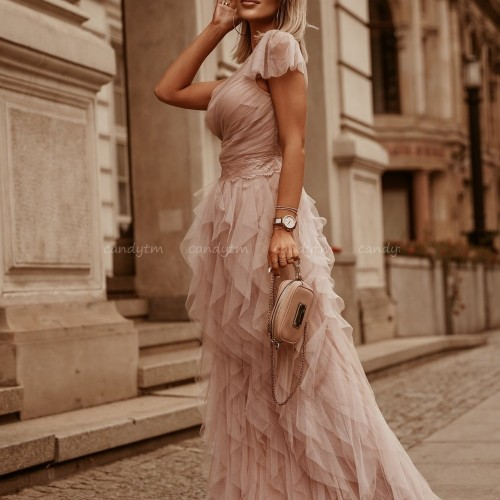 Poznaj nasz must have – stylowe sukienki maxi