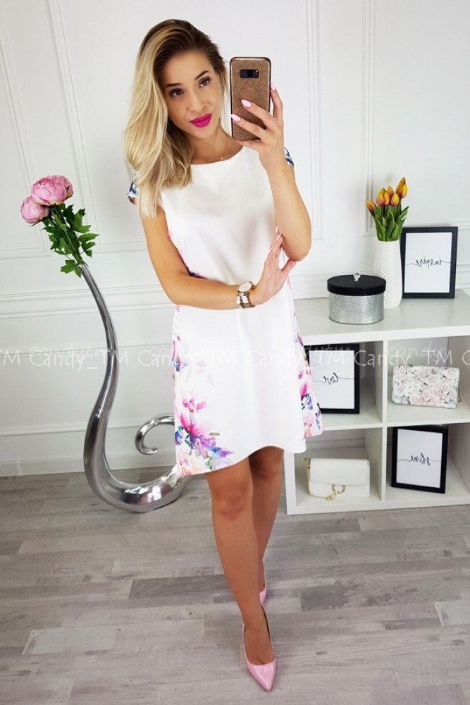 TEARDROP DRESS CREAM WHITE WITH FLOWERS AT THE SIDES