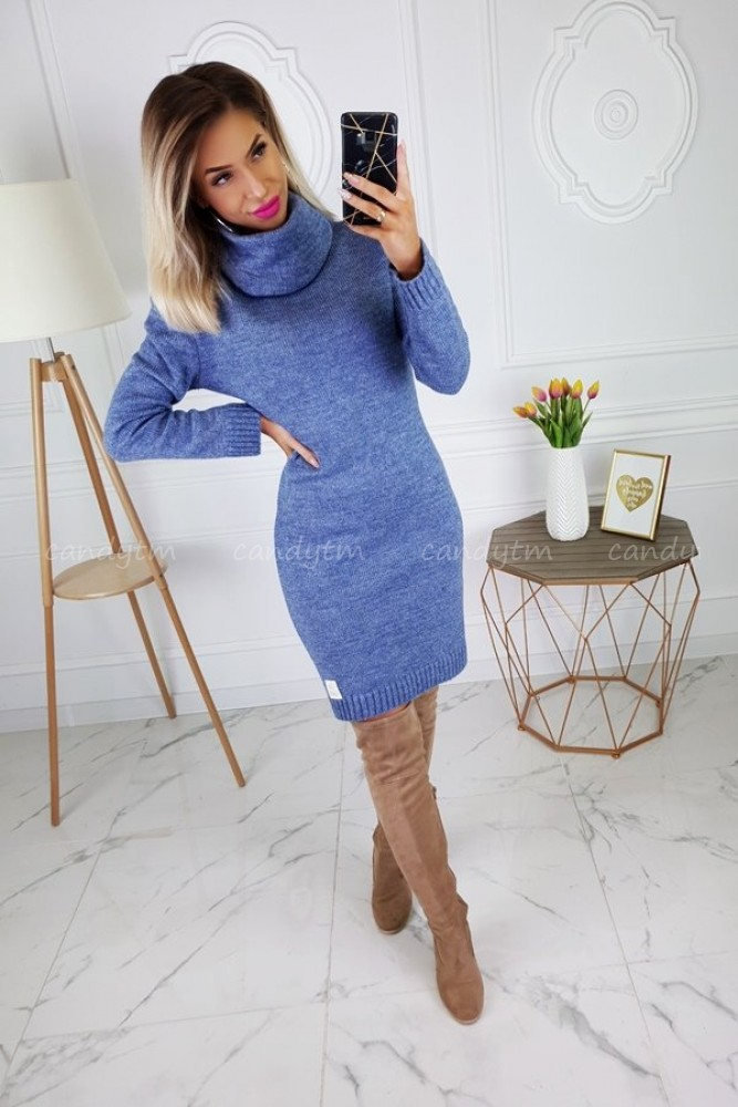SWEATER DRESS CANDY WITH TURTLENECK JEANS