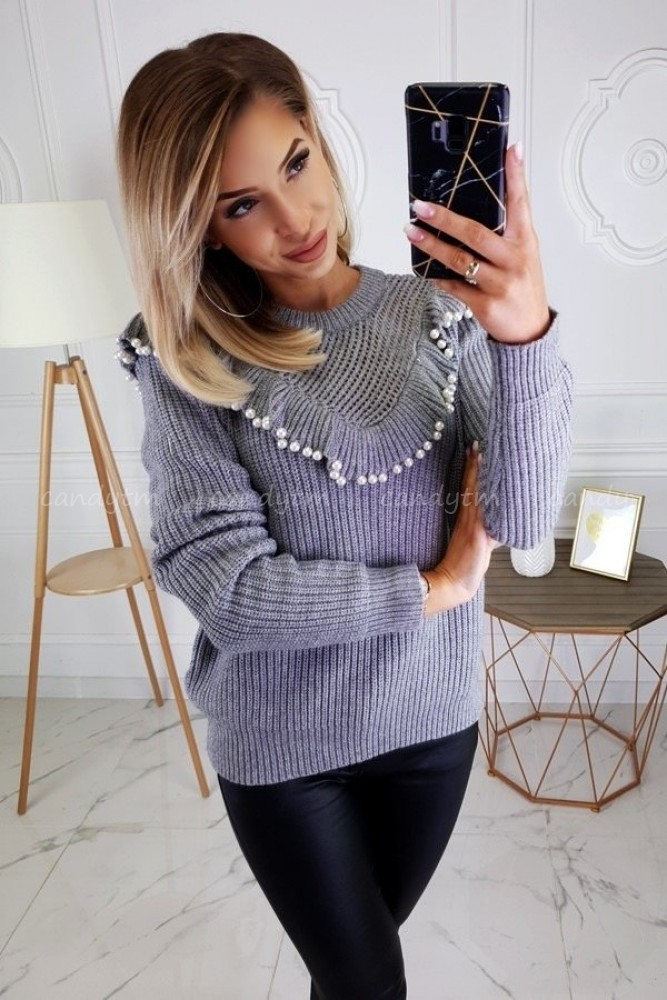 SWEATER WITH FRILLS + PEARLS GREY