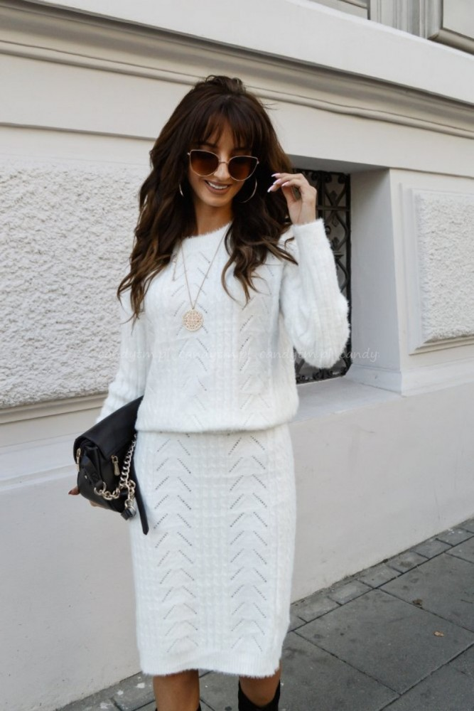 SET SWEATER + SKIRT CREME